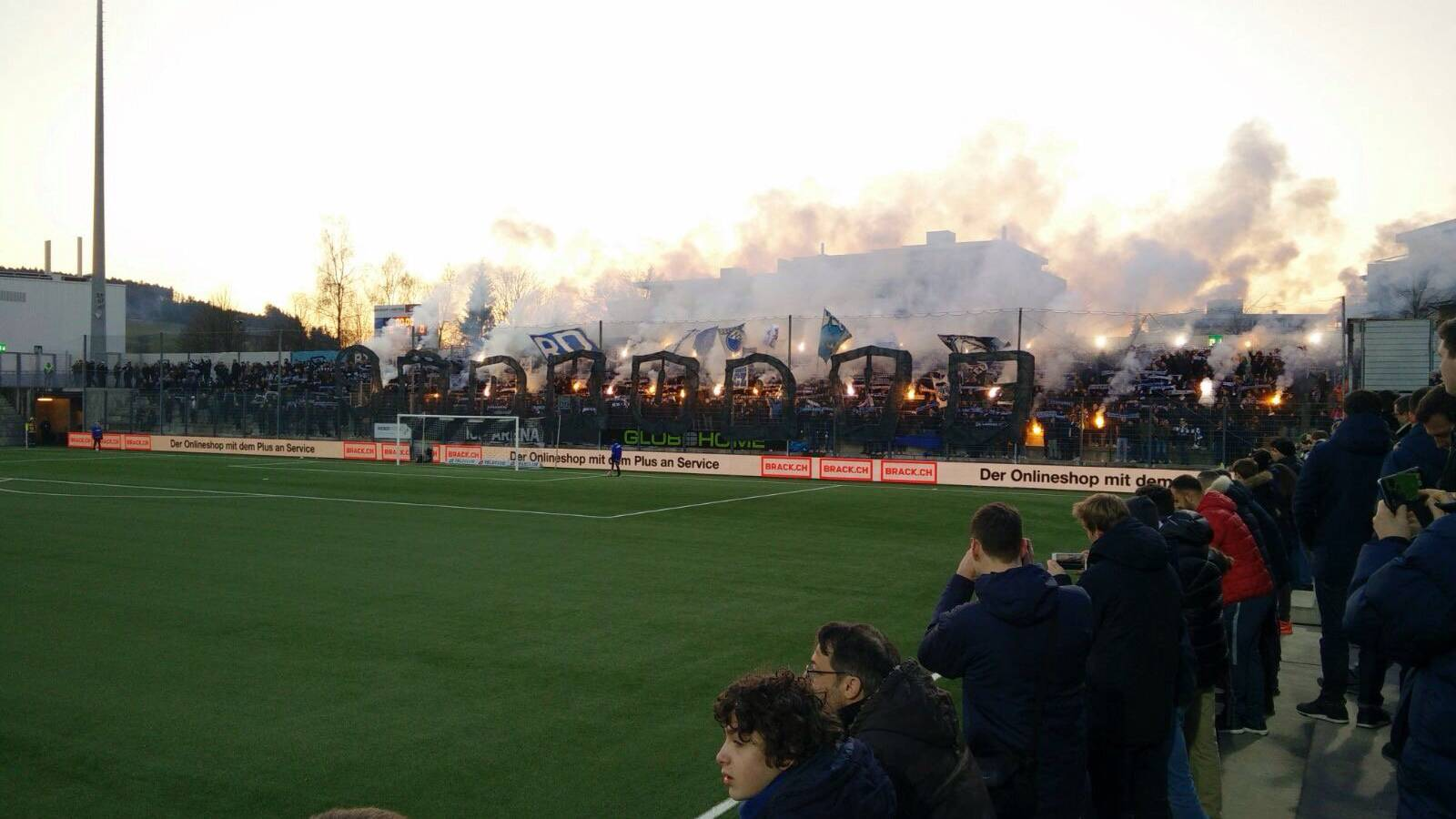 Zum Spiel des FC Zürich gegen den FC Wil waren viele Zürcher Fans angereist.