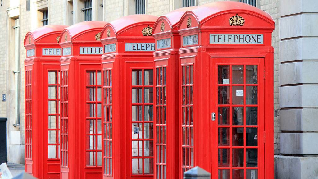 telephone-booths-256713_1920