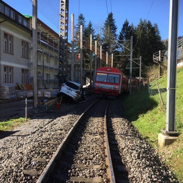 Unfall bei Urnäsch (© Kantonspolizei Appenzell Ausserrhoden)