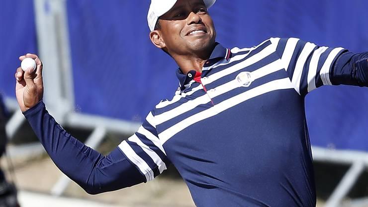 Gutgelaunter Tiger Woods im Outfit des amerikanischen Ryder-Cup-Teams
