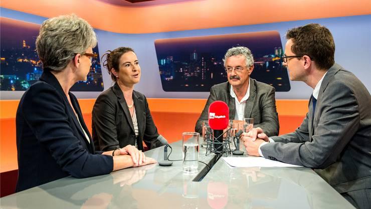 Maya Bally (BDP), Ruth Jo. Scheier (GLP) und Robert Obrist (Grüne) bei Moderator Christian Dorer im «Talk täglich».