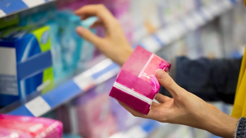 Nach den Ferien: Schülerinnen bekommen Gratis-Tampons