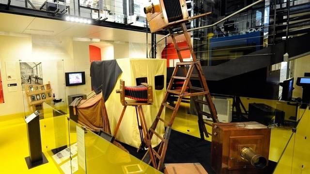 Auch das Schweizerische Kameramuseum in Vevey macht mit