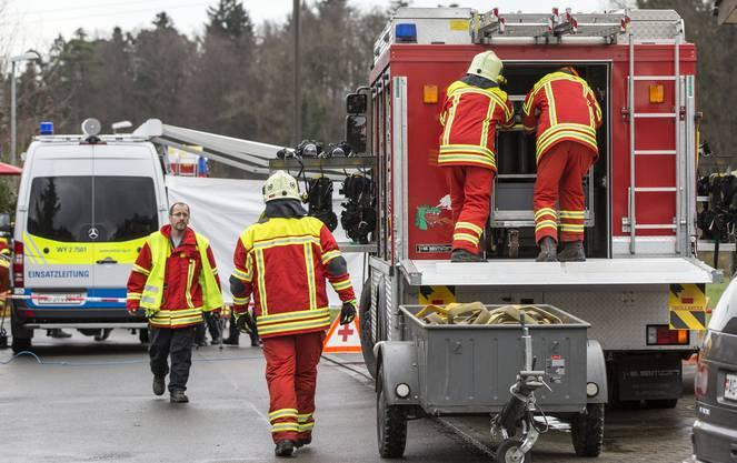 Als die Feuerwehr zu einem Brand in einem Haus an der Lenzhardstrasse ausrückt, können die Einsatzkräfte nicht ahnen, was auf sie zukommt.