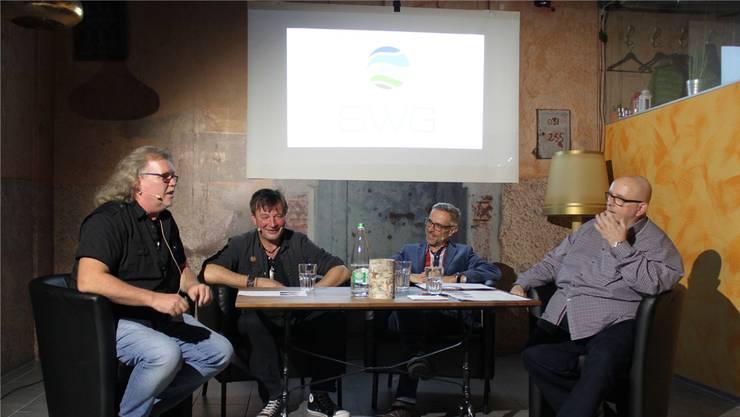 Gar nicht etwa unter sich: Kurt «Moos» Gilomen, George (Schwab), Dani Fohrler und Dagobert Cahannes (von links). at.