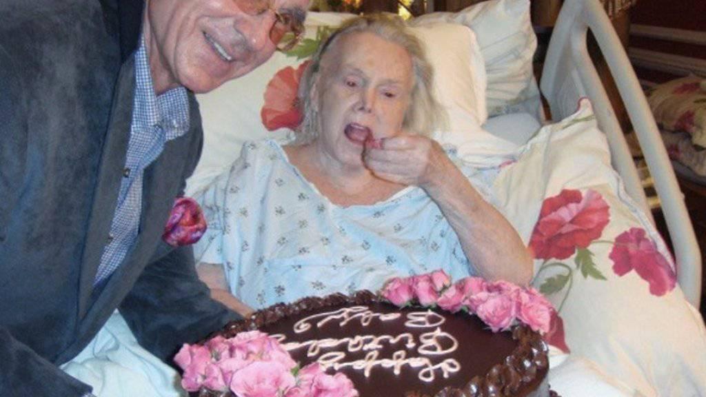 Vor fünf Jahren feierte Frederic Prinz von Anhalt mit seiner Angetrauten Zsa Zsa Gabor in ihrer Villa im kalifornischen Bel Air deren 94. Geburtstag (Archiv)
