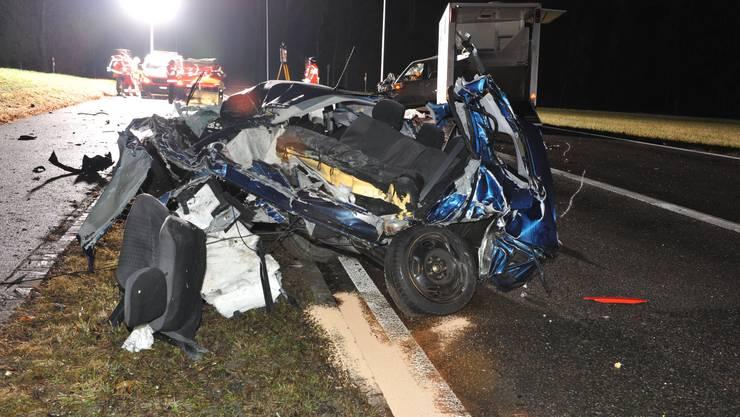 Das Auto des 19-Jährigen erlitt einen Totalschaden.