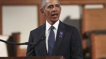 Der ehemalige US-Präsident Barack Obama spricht bei der Trauerfeier für den verstorbenen Bürgerrechtler John Lewis in der Ebenezer Baptist Church. Foto: Alyssa Pointer/Pool Atlanta Journal-Constitution/AP/dpa