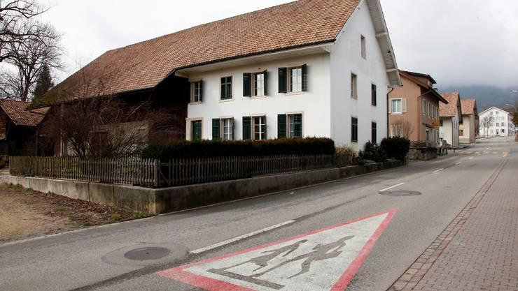 Die Gemeinde will die Liegenschaft an der Dorfstrasse 21 kaufen, um das Ortsbild zu erhalten. Foto: HP. Bärtschi