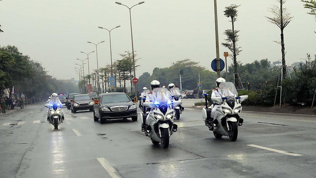 Der Machthaber Nordkoreas Kim Jong Un ist zum Gipfeltreffen mit US-Präsident Donald Trump in der vietnamesischen Hauptstadt Hanoi eingetroffen.