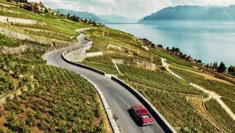 Traumstrasse mitten durch das UNESCO-Welterbe: Die Rebberge der Lavaux hoch über dem Genfersee sind nicht nur für Weinliebhaber ein Genuss.