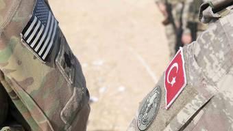 """Die USA übergeben die Gebiete in Nordsyrien militärisch an die Türkei. Diese hat eine """"Anti-Terror-Offensive"""" angekündigt. (Themenbild)"""