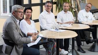 Es diskutierten Andreas Glaser, Béa Bieber, Moderator Fabian Hägler, Michael Ganz und Hanspeter Hilfiker (von links).
