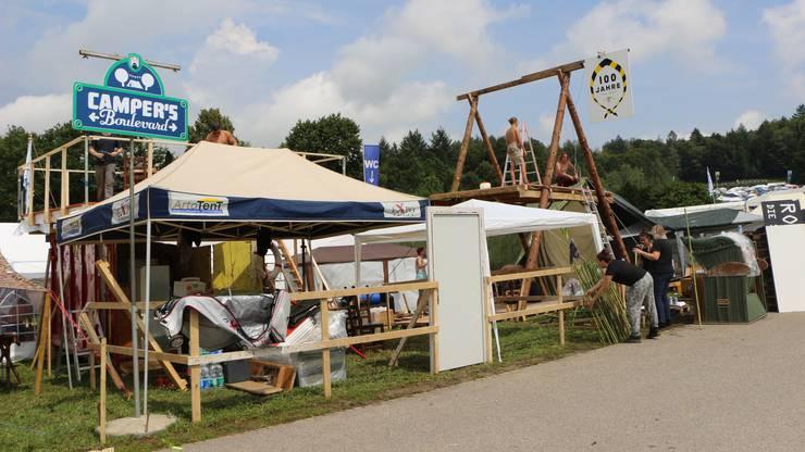 Der Heitere-Zeltplatz ist bekannt für seine spektakulären Bauten