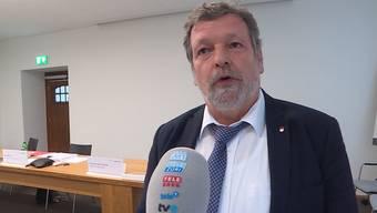 Regierungsrat Roland Heim musste sich aus dem Homeoffice auf die heutige Medienkonferenz vorbereiten. Er und sein Regierungskollege Remo Ankli waren bis zum letzten Freitag in Quarantäne. Nun erzählt er, wie er die Zeit zu Hause erlebt hat.