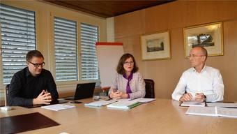 Arsène Perroud, Ariane Gregor und Gregor Kaufmann (von links) bei der gestrigen Medieninformation.
