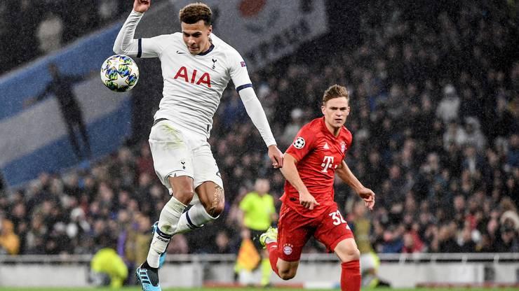 Tottenhams Dele Alli (links) im Duell mit Bayerns Joshua Kimmich (rechts)
