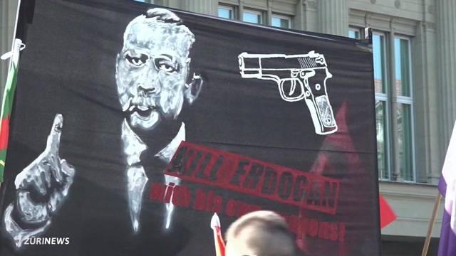 Türkischer Präsident wütend auf Berner Demo-Plakat