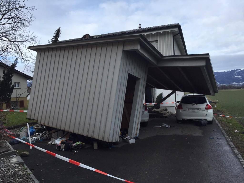 Sturmschäden in Montlingen (© Dario Cantieni/FM1Today)