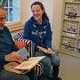 Rainer Hoffmann (Till, 78) mit Melina Germann (Aquelli, 22) erzählen über ihre Erlebnisse in der Pfadi.
