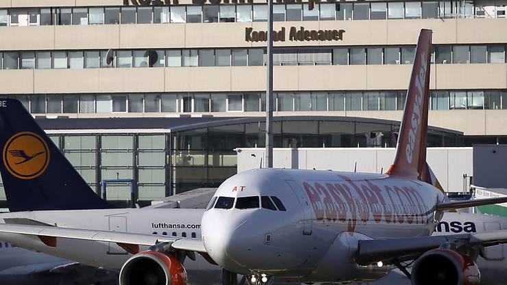 Der Terroralarm auf dem Flughafen Köln/Bonn führte am Samstagabend zu Störungen des Flugbetriebes. (Archivbild vom Februar 2014)