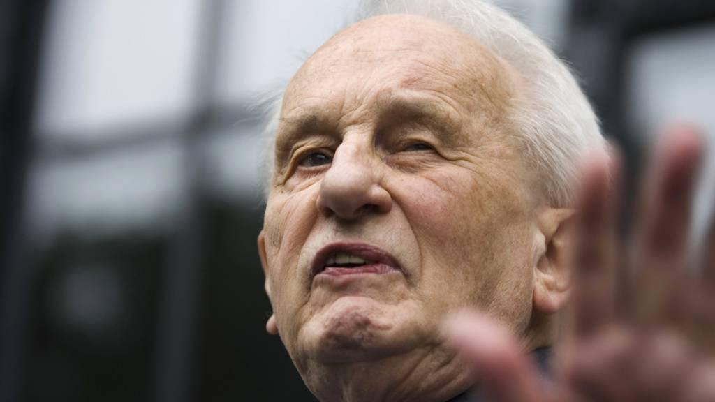 Deutscher Dramatiker Rolf Hochhuth mit 89 Jahren gestorben