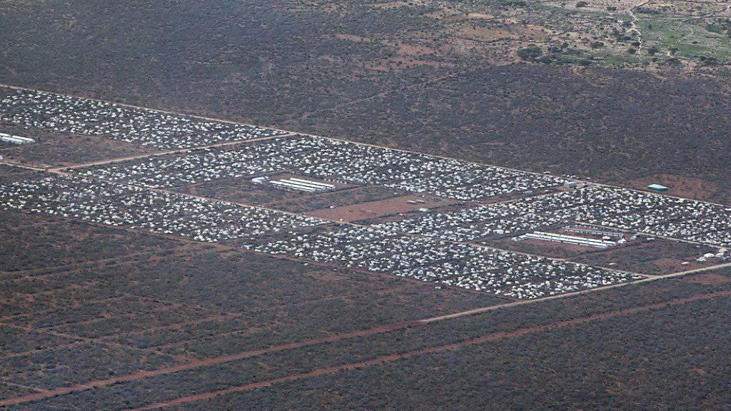 Blick aus dem Helikopter auf das weltgrösste Flüchtlingslager Dadaab im Nordosten Kenias. (Archiv)