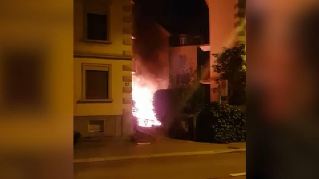Innenhof in Zürich-Enge brennt lichterloh