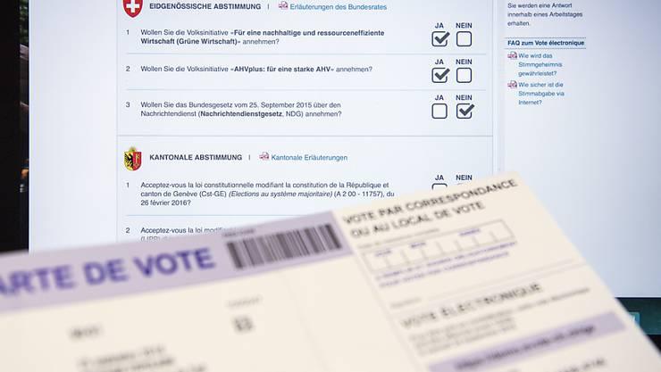 Eine Demo-Abstimmungskarte des E-Voting Systems im Kanton Genf. Der Bundesrat will die elektronische Stimmabgabe nun in der ganzen Schweiz ermöglichen und als dritten ordentlichen Stimmkanal etablieren. (Archiv)