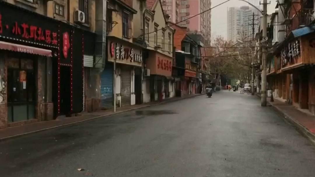 Keine Autos und kaum Menschen auf der Strasse – unterwegs in der Geisterstadt Wuhan