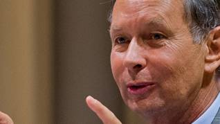Philipp Müller warnt vor den wirtschaftlichen Folgen der Ecopop-Initiative. (Archiv)