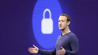 Er muss sich immer wieder erklären: Facebook-Chef Mark Zuckerberg. (Archivbild)