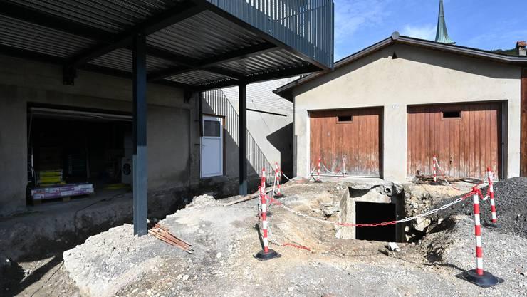 Beim Gasthof Rössli in Oensingen kam ein Gewölbekeller zum Vorschein. Es war aufgefallen, dass der Garage-Boden leicht absank.