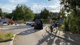 Die Fahrradfahrerin verletzte sich bei der Kollision.