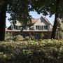 Eigenheimbesitzer dürfen sich freuen: Der Eigenmietwert soll abgeschafft werden. Im Gegenzug werden aber die Steuerabzüge eingeschränkt. (Archivbild)