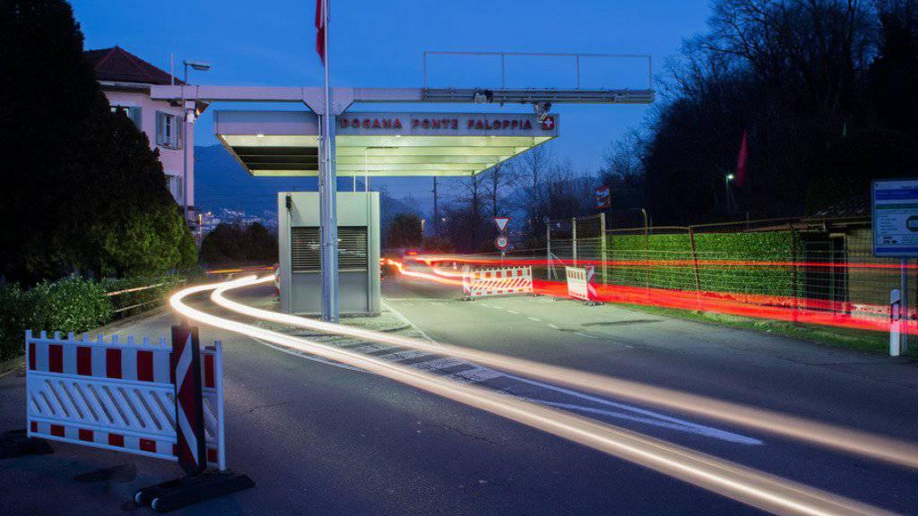Geht es nach dem Willen Brüssels, sollen Grenzgänger neu bei Arbeitslosigkeit von jenem Land Arbeitslosenunterstützung erhalten, in dem sie zuletzt gearbeitet haben. Dies könnte auch für die Schweiz mit ihren 300'000 Grenzgängern teuer werden. (Symbolbild)