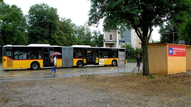 Während der Bauarbeiten wurde beim Schlossplatz in Bad Zurzach ein provisorischer Busterminal eingerichtet. pid