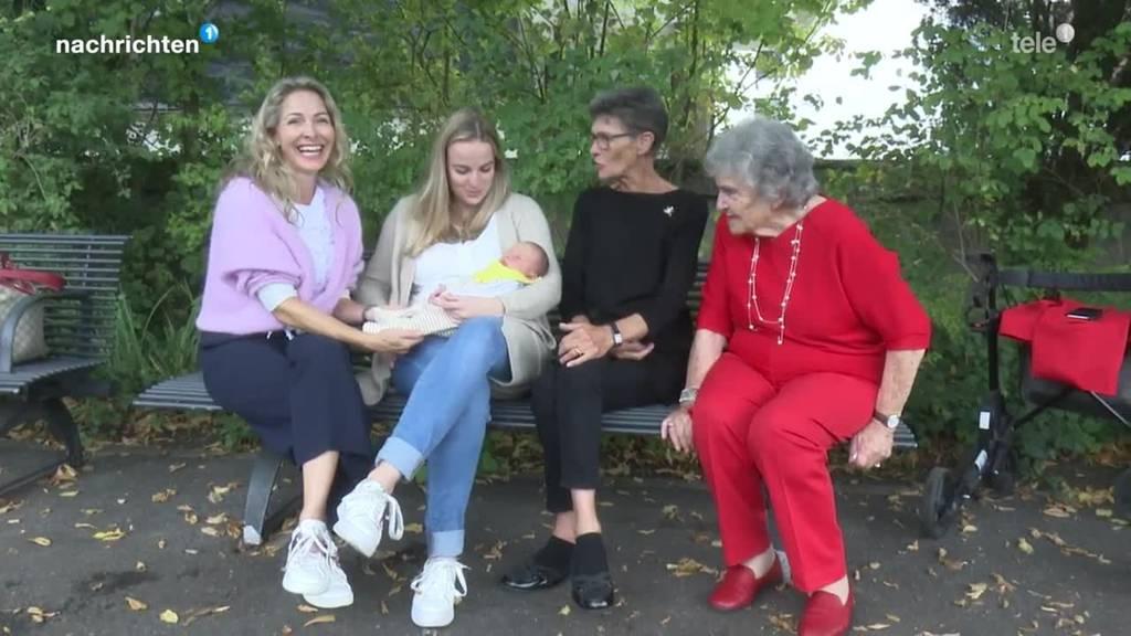 Portrait einer Familie mit fünf Generationen