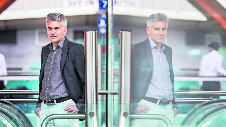 Ueli Stückelberger, Direktor Verband öffentlicher Verkehr, fotografiert am Bahnhof Bern.