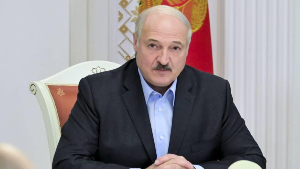 Lukaschenko reist zu Krisengespräch mit Putin nach Russland