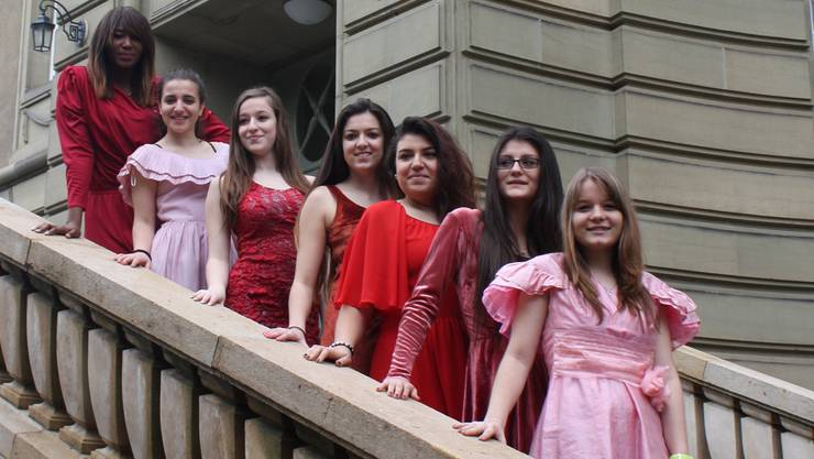 Wie hätte ihr Leben vor 50 Jahren ausgesehen? BFS-Schülerinnen haben ein Theaterstück einstudiert.EDI