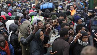 Die Räumung des «Dschungels von Calais» ist angelaufen