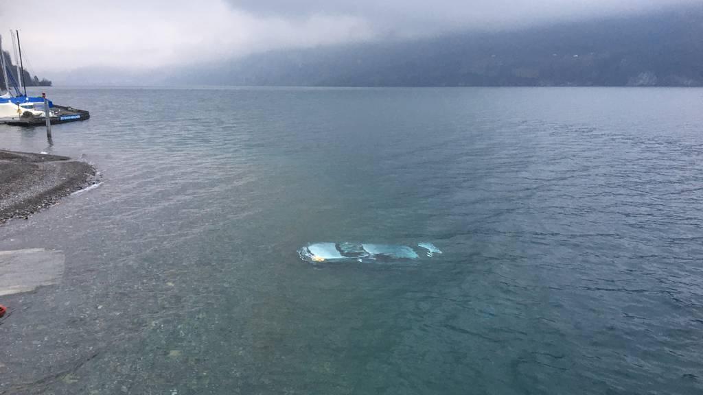 Statt Boot einzuwassern: Lenker versenkt Auto im Walensee