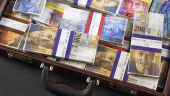 Die Meldestelle für Geldwäscherei des Bundes hat eine Rekordzahl von Verdachtsmeldungen erhalten. Die betroffenen Vermögen belaufen sich auf insgesamt über 16 Milliarden Franken. (Symbolbild)
