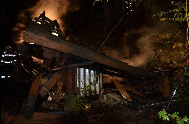 Obwohl die Feuerwehr den Brand schnell unter Kontrolle hatte ...