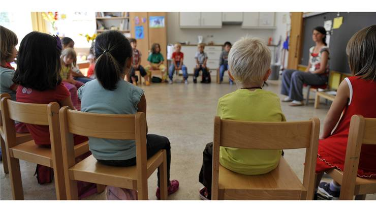Dass männliche Kindergärtner in der öffentlichen Meinung unter einem Pädophilie-Generalverdacht stehen, wird von einigen Schulvorständen bestätigt. Dies sei aber nicht der Grund, dass in den befragten Gemeinden kein männlicher Kindergärtner angestellt sei: Es hätte schlichtweg keine Bewerber.