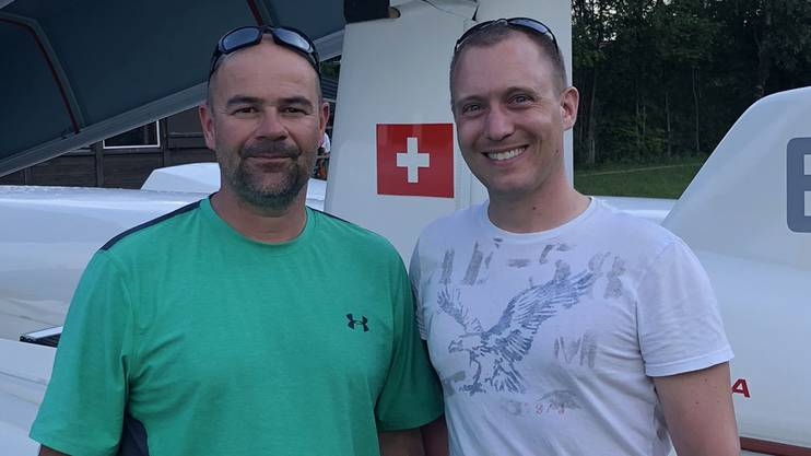 Oliver Bachmann, OK-Präsident des Flugplatzfestes (links) und Christian Heimlich, Obmann der Segelfluggruppe Olten.