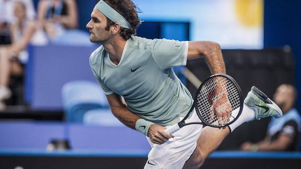 Roger Federer kehrte nach sechsmonatiger Pause mit einem Sieg auf die Tennis-Tour zurück