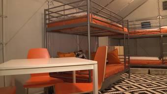 In Frick entsteht ein kleines Dorf mit 60 IKEA-Häusern für Asylbewerber. Wie sind die Häuschen eingerichtet?