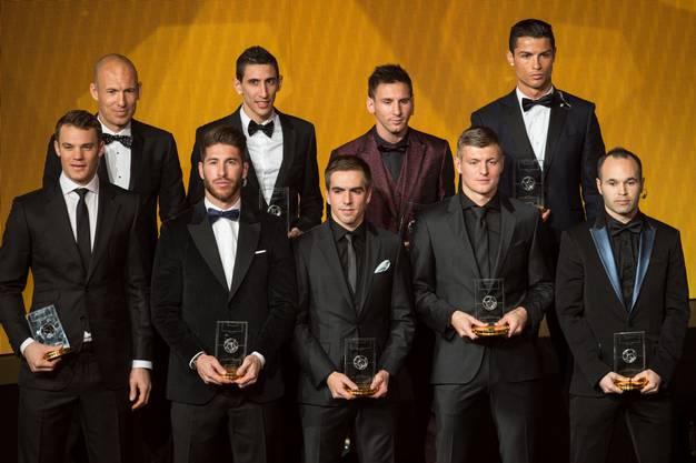 (vorne von links) Manuel Neuer, Sergio Ramos, Philipp Lahm, Toni Kroos und Andres Iniesta. (Hinten von links) Arjen Robben, Angel Di Maria, Lionel Messi und Cristiano Ronaldo
